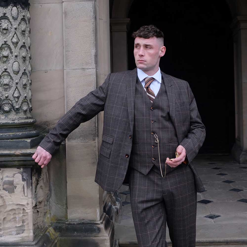 Shannon Outside Mansion Tommy Shelby Lookalike